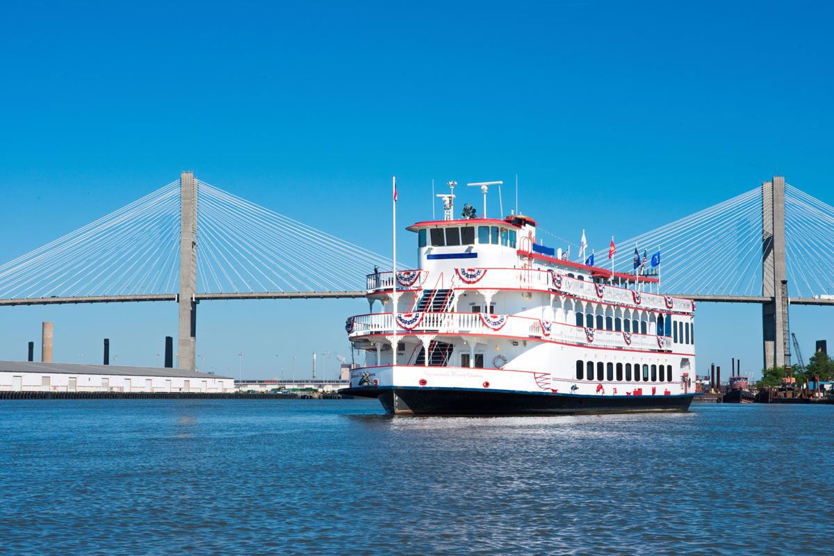 Tour Savannah on a replica paddle wheeler boat
